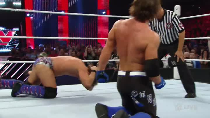 Видео: WWE World Heavyweight Title No. 1 Contender's Fatal Four Way Match: Raw, April 4, 2016