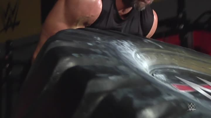 Видео: How Triple H got in the best shape of his life for WrestleMania 32