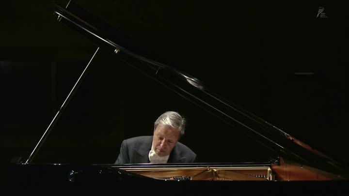 Murray Perahia - Bach - French Suite No 4 in E-flat major, BWV 815