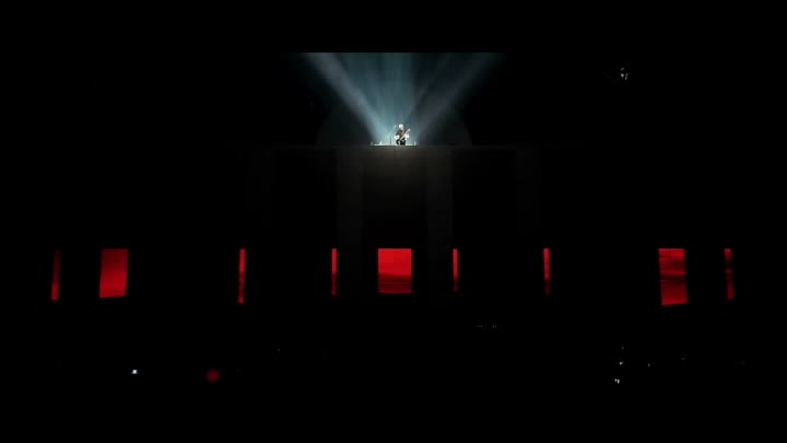 Видео: Roger Waters + David Gilmour: Comfortably Numb, Live, O2 Arena 2011