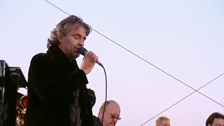 Andrea Bocelli - Besame Mucho - Live From Lake Las Vegas