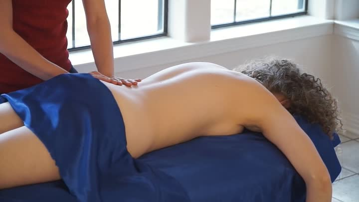 How to Massage For Beginners - Back, Neck & Shoulder Relaxation Massage Therapy Techniques