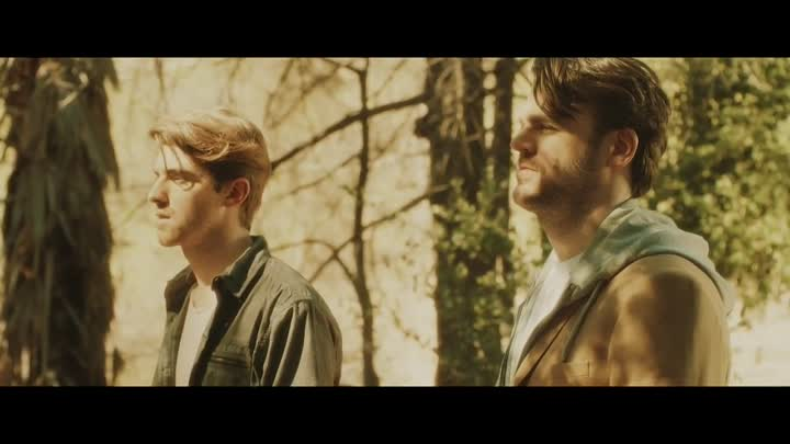 The Chainsmokers - Don't Let Me Down ft. Daya (Official Video)
