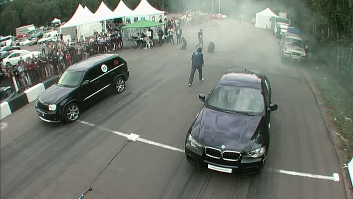 Jeep Grand Cherokee SRT-8 Supercharged vs BMW X6M Stage 2