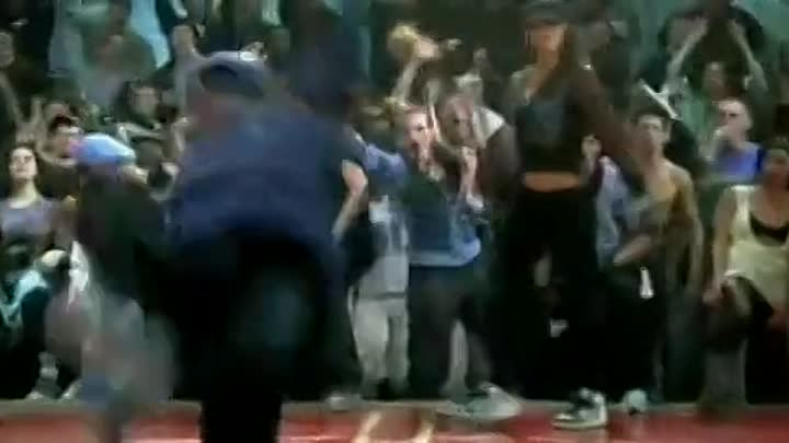 Видео: Step Up 3D dancing in the water