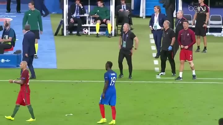 Видео: Cristiano Ronaldo coaching Portugal vs France Euro 2016