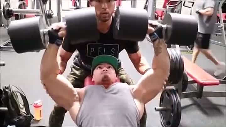 Видео: Jeremy Buendia Gained Some Serious Mass in the Off Season for 2016 Mr Olympia Physique