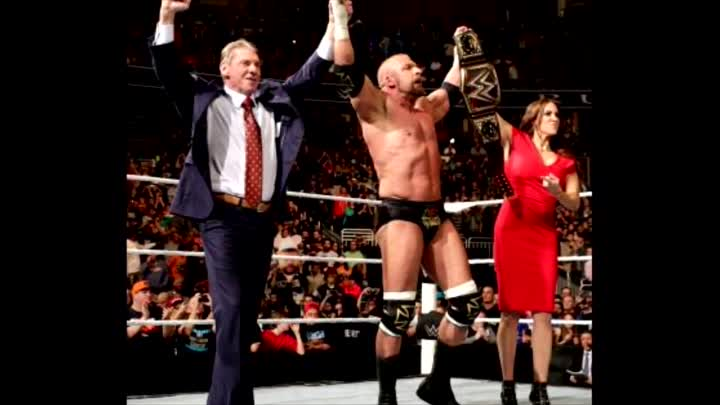 Видео: Update On WWE World Heavyweight Title Plans For WrestleMania 32, Triple H Notes From Royal Rumble