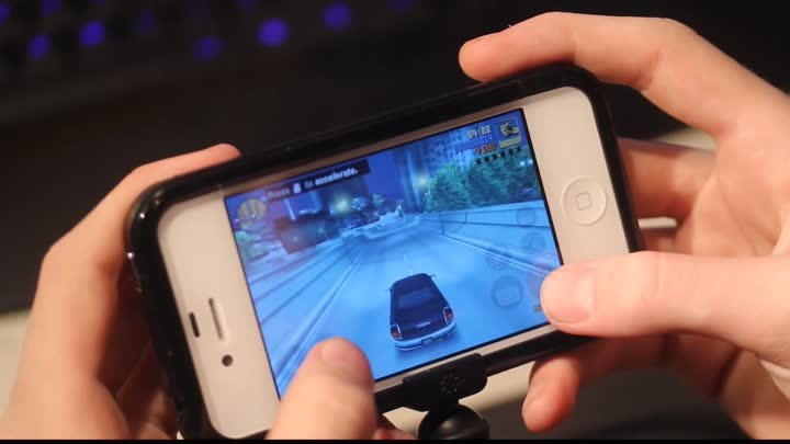 Видео: GTA 3 iPhone 4S Gameplay Hands-On & Review Gaming! (Part 2) iPhone 4S, 4, iPad 1,2, iPod Touch 4!