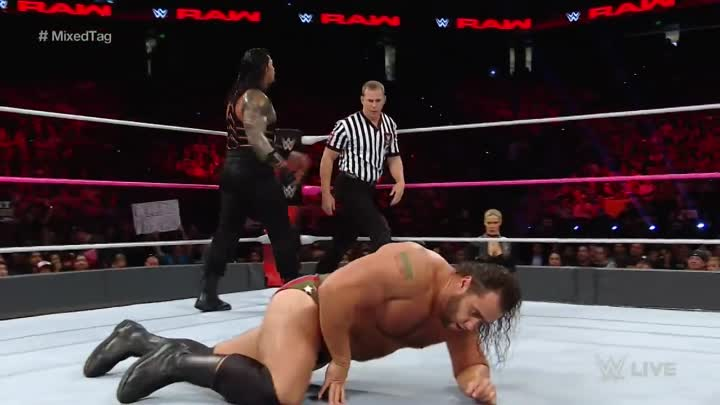 Видео: Roman Reigns & Sasha Banks vs. Rusev & Charlotte - Mixed Tag Team Match_ Raw, Oct. 10, 2016