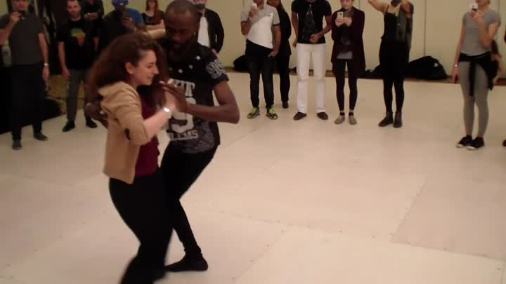 Видео: Paris Kizomba Congress 2015 Mr. Tecas Semba Show Intermediate