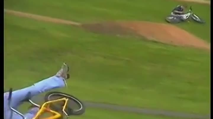 Видео: Girl OwNeD by RC TrUcK at BMX Track~ Kid Hit by RC Car