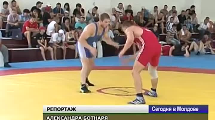 Wrestling brothers from Moldova