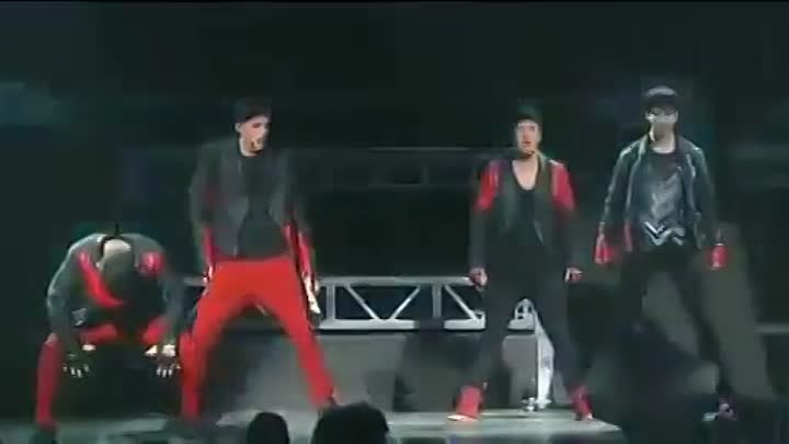 Big Time Rush-Love Me Love Me (Para Mi Oficial Video)(Party All Night).flv