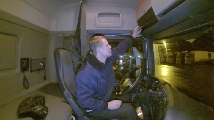 Видео: Deaf from Lithuania job driver truck Sweden