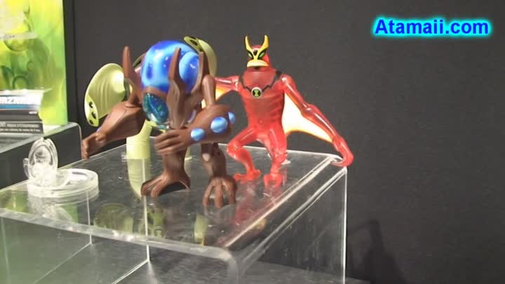 Видео: Ben 10 Ultimate Alien Toys Preview Bandai Toy Fair 2010