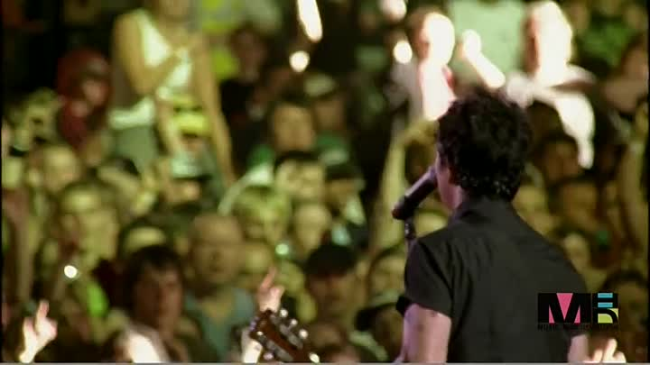 Green Day - Boulevard of Broken Dreams (live from Bullet in a Bible 2005)
