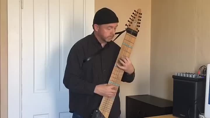 Видео: Something -The Beatles performed on Chapman Stick