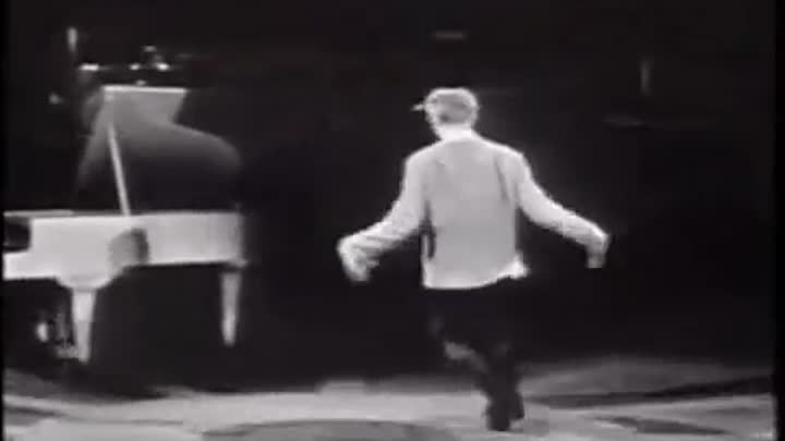 Видео: The Trashmen - Surfin Bird - Bird is the Word 1963 (RE-MASTERED) (ALT End Video)