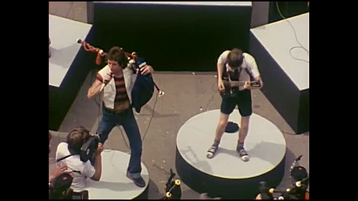 ACDC - It s A Long Way To The Top If You Wanna Rock N' Roll 1976. by zaza.