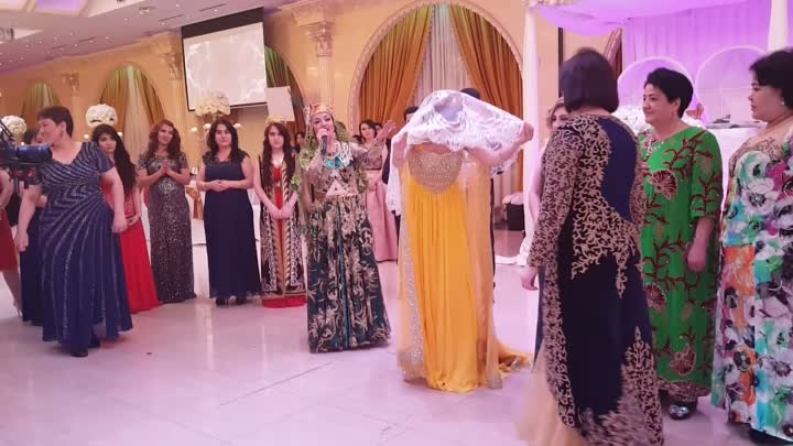 Uzbek kelin salom in USA wedding.