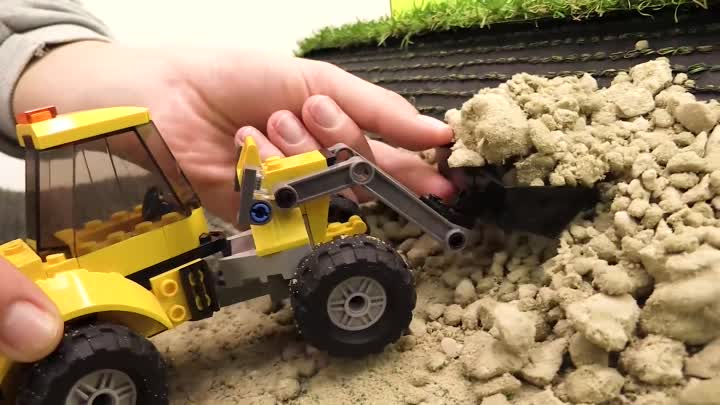 Видео: Bruder toys 🚚 Big trucks for kids & 🚜 big Tractors for kids. Toy cars videos. Bruder машинки.
