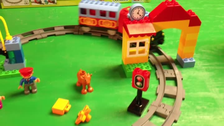 Видео: LEGO Duplo 10507 My First Train Set and 10506 Accessory Set Track System new 2013