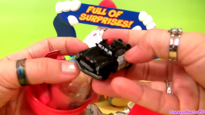 Видео: Huge Kinder Surprise Eggs Disney Pixar CARS 2 & Toy Story review Unwrapping Chocolate Toys