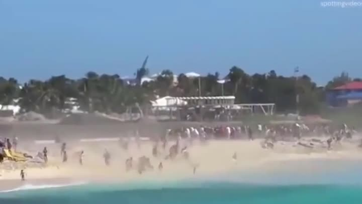 Crowd Is Hit With Jet Blast - Tourists Get Blown Away