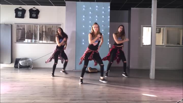 Rockabye - Clean Bandit - Sean Paul - Anne-marie -Easy Fitness Dance Choreography Zumba