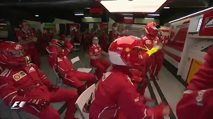 Видео: 2017 Spanish Grand Prix - Hamilton Battles Vettel