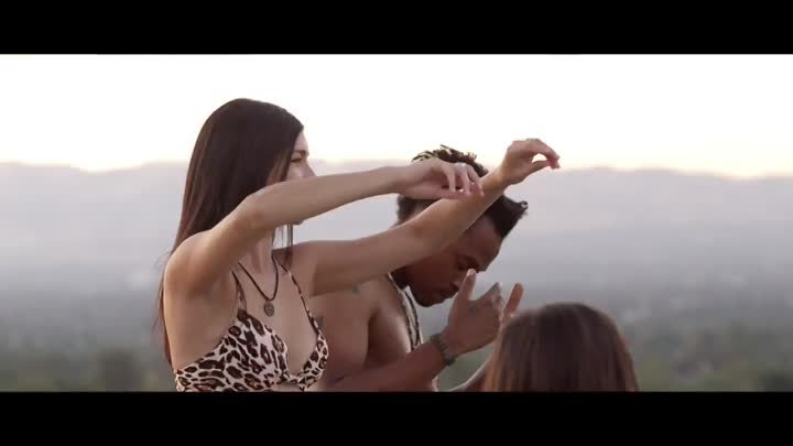 Видео: Bailee Moore Life of the Party Music Video 4K