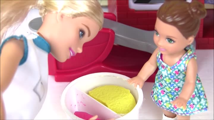 Видео: Мультики Барби. Барби - Шеф-Повар! Barbie Spaghetti Chef Кукла Барби Мультик. Играем в Куклы Барби