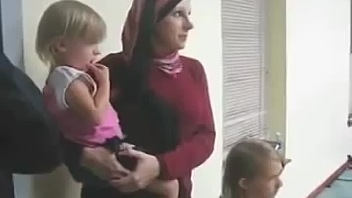 Видео: British Woman converted to islam and crying