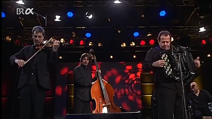 Видео: AUTUMN LEAVES - RICHARD GALLIANO TANGARIA QUARTET