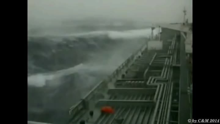 Видео: TOP 10 MOST SHOCKING SHIPS IN STORM-Best all time II Monster Waves of The Sea!