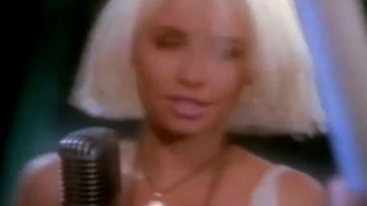 Видео: Wendy James - Landslide Of Love (1989) 18+