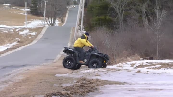 Видео: 2012 can am outlander 1000 XT hmf swamp xl 2 inch lift and 28 inch tires m12 rims