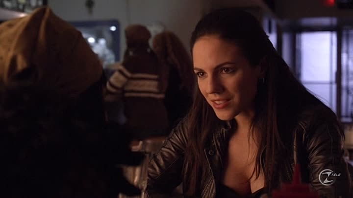 [Www.VoirFilms.info]-Lost Girl.S01E01.FRENCH.HDTV.XviD