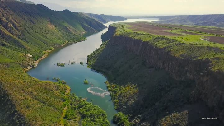 Видео: Visit Armenia. A video traveling Guide across the country