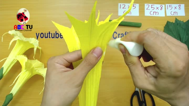 ABC TV | How To Make Brugmancia Paper Flower From Crepe Paper - Craft Tutorial