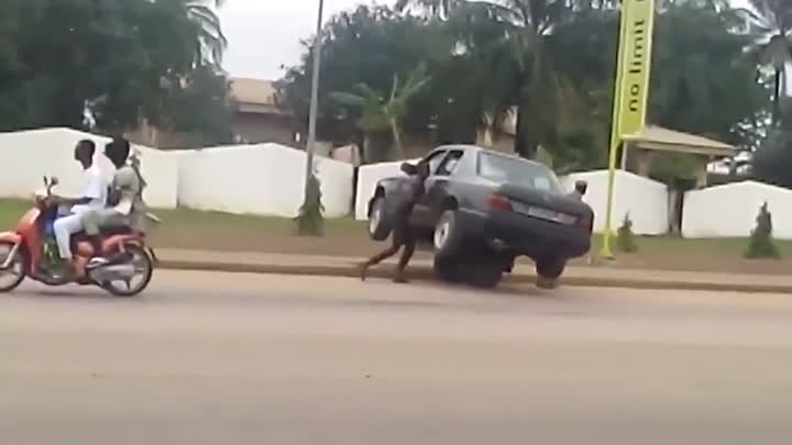 Видео: Cheapest tow truck in town lol