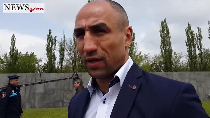 Arthur Abraham honors victims of Armenian Genocide
