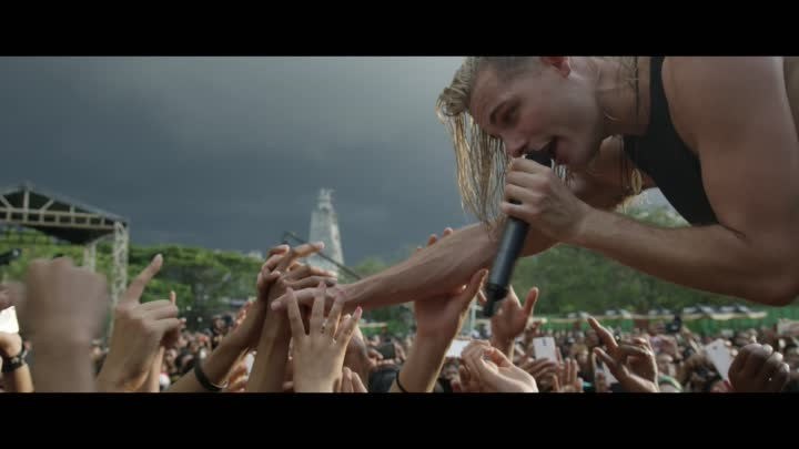 Видео: I SEE STARS - Everyone's Safe in the Treehouse (Official Music Video)