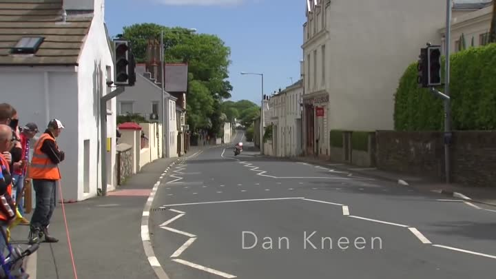 THE MOST SCARY MOMENT OF ISLE OF MAN TT 2017-2018