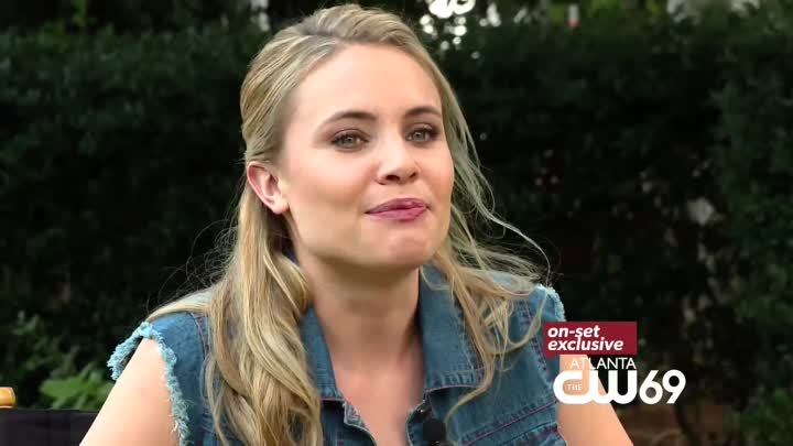 Видео: Leah Pipes Interview