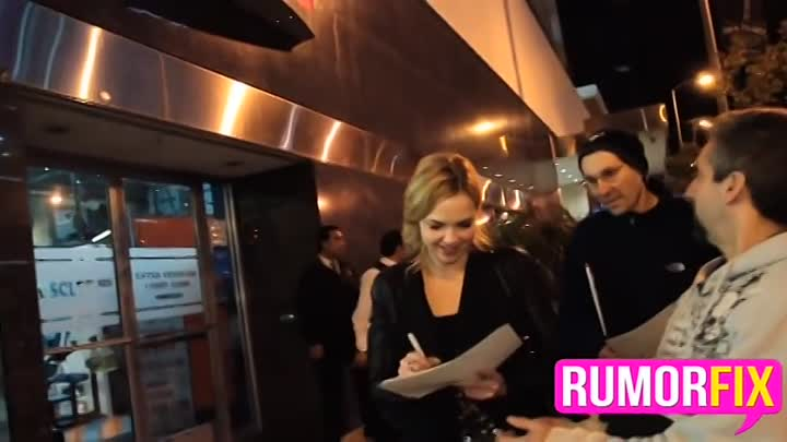 Видео: Exclusive Arielle Kebbel on Rihanna back with Chris Brown