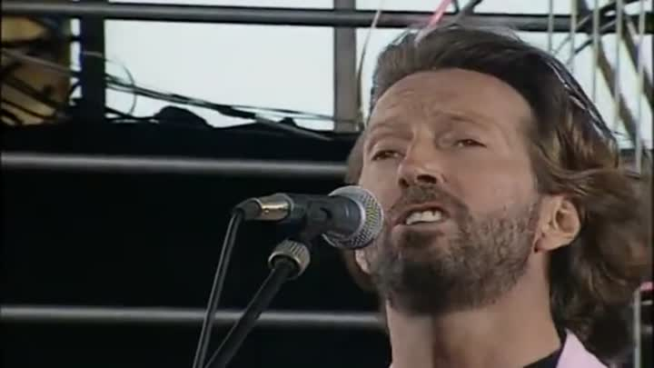 Видео: Eric Clapton - Before You Accuse Me (Knebworth 1990) In 1:59 broke a guitar string.mp4