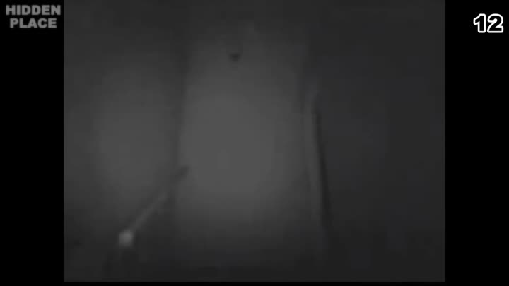 Видео: 15 Ghosts Caught on Camera Top 15 Real Ghost Sightings