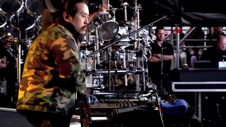 """Видео: """"New Divide"""" (Live in Red Square) 